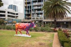 母牛装置艺术 免版税库存照片