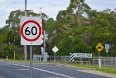 每个小时交通路标60 km 图库摄影