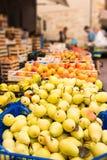 每周市场托斯卡纳- appel 库存图片