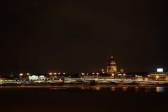 每夜的圣彼德堡,俄罗斯 免版税库存照片