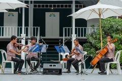 每年Lumpini文化节日的爵士乐音乐家 库存照片