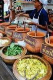 每年Lumpini文化节日的Khanom奇恩角卖主 库存照片