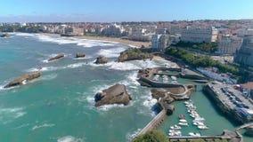 比亚利兹市海滩海岸法国空中4k 股票视频