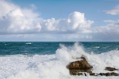 比亚利兹海浪 免版税库存图片