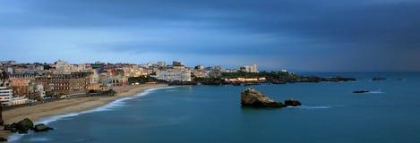 比亚利兹海滩(重创的色球) 免版税库存图片