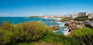 比亚利兹,灯塔、海滩和城市,法国全景  免版税库存图片