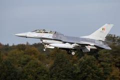 比利时人空军队F-16战斗机定点飞越 库存照片