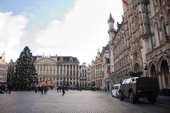 比利时军队和警察在布鲁塞尔的市中心2015年11月23日 免版税库存照片
