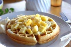 比利时夏威夷样式奶蛋烘饼 免版税库存图片