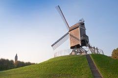 比利时布鲁基磨房塔风 免版税库存照片