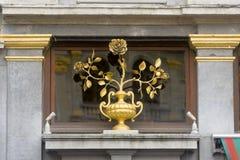 比利时布鲁塞尔布鲁塞尔大广场或格罗特Markt是布鲁塞尔中心广场  它由丰富的市政厅围拢 库存图片