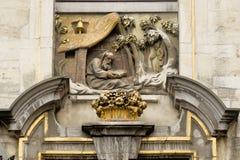 比利时布鲁塞尔布鲁塞尔大广场 它由丰富的市政厅围拢 库存图片