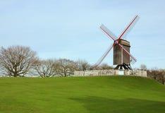 比利时布鲁日公园风车 免版税库存照片