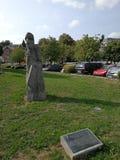 比利时石雕象在秋天2018年 库存图片