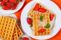 比利时草莓奶蛋烘饼 免版税库存图片