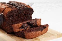 比利时蛋糕巧克力剪切重点刀子片式 免版税库存照片