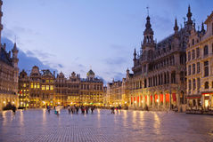比利时 残酷 全部安排 夜间 库存照片
