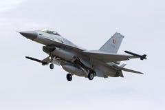 比利时F-16着陆 库存图片