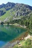 比利牛斯山脉的湖在Ariege,法国 免版税库存图片