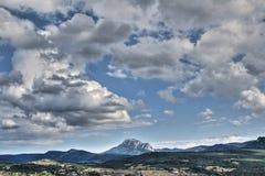 比加拉什在Corbieres,法国峰顶  免版税库存图片