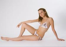 比基尼泳装妇女年轻人 免版税库存图片