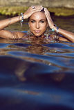 比基尼泳装时装模特儿 免版税库存图片