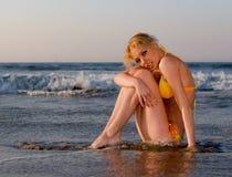 比基尼泳装海滩 免版税图库摄影