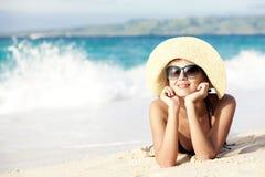 比基尼泳装的长发女孩在热带boracay 库存图片