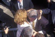 比尔・克林顿总统满足人群 免版税库存照片