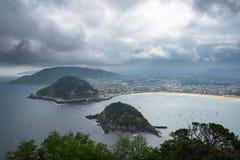 比斯开湾海湾海岸的,西班牙圣塞瓦斯蒂安Donostia 图库摄影