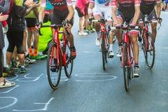 比耶拉,意大利- 2017年5月20日:骑自行车者参加第14个s 免版税库存图片
