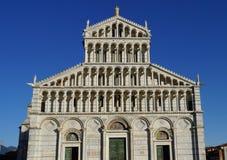 比萨大教堂前面 免版税库存图片