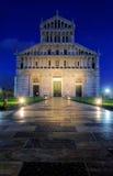 比萨大教堂晚上 免版税库存照片