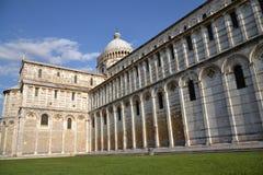 比萨大教堂的中央寺院 免版税库存照片