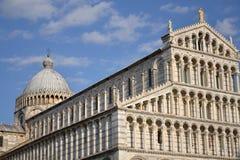 比萨大教堂的中央寺院 免版税库存图片