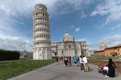 比萨的大教堂广场(Piazza del Duomo)和斜塔 库存图片