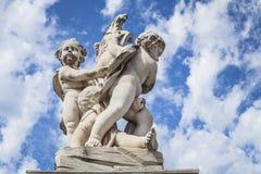 比萨,广场dei miracoli雕象天使  8 370 1000 1600 1947 2010 a6gcs appx出席有历史的意大利意大利km maserati可以miglia在种族集会移动的托斯卡纳多种意志的英里mille的汽车城市经典功能 免版税库存图片