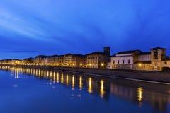 比萨,意大利在晚上 免版税库存图片