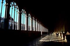 比萨,意大利-大约2018年2月:走廊在奇迹正方形的坎波桑托Monumentale  图库摄影