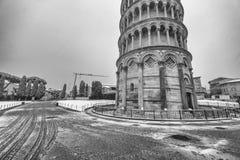 比萨,意大利- 2018年3月1日:奇迹正方形与雪的在w 图库摄影