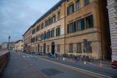 比萨,意大利2016年10月22日比萨市建筑学有tra的 库存图片