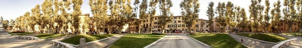 比萨- 2014年10月:St凯瑟琳方形的全景 比萨是 图库摄影