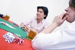 比赛啤牌 免版税库存图片