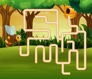 比赛蜂迷宫寻找他们的道路到养蜂场 皇族释放例证