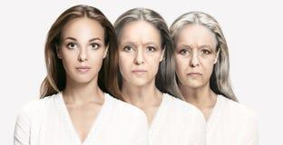 比较 美丽的妇女画象有问题和干净的皮肤、老化和青年概念的 库存照片