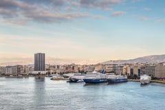 比雷埃夫斯,希腊港在晚上 图库摄影