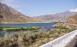 比什凯克路-奥什在吉尔吉斯斯坦,纳伦 库存图片