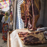 比什凯克,吉尔吉斯斯坦- 2015年9月27日:星期天市场 库存照片
