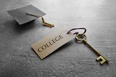 毕业学院钥匙 图库摄影