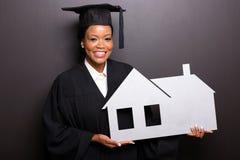 毕业生举行的家庭标志 图库摄影